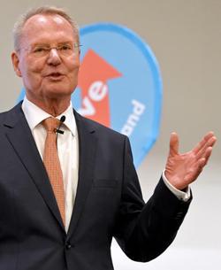 Zu den Geburtsfehlern der AfD gehört die wirtschafts-liberalistische Ausrichtung unter Hans-Olaf Henkel.