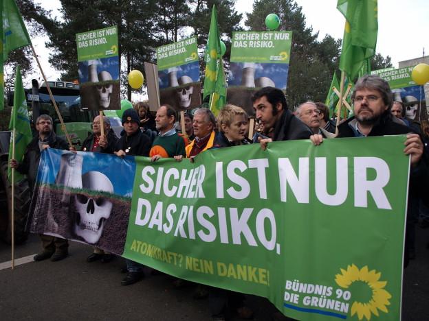 1280px-Grüne_protests_against_nuclear_energy